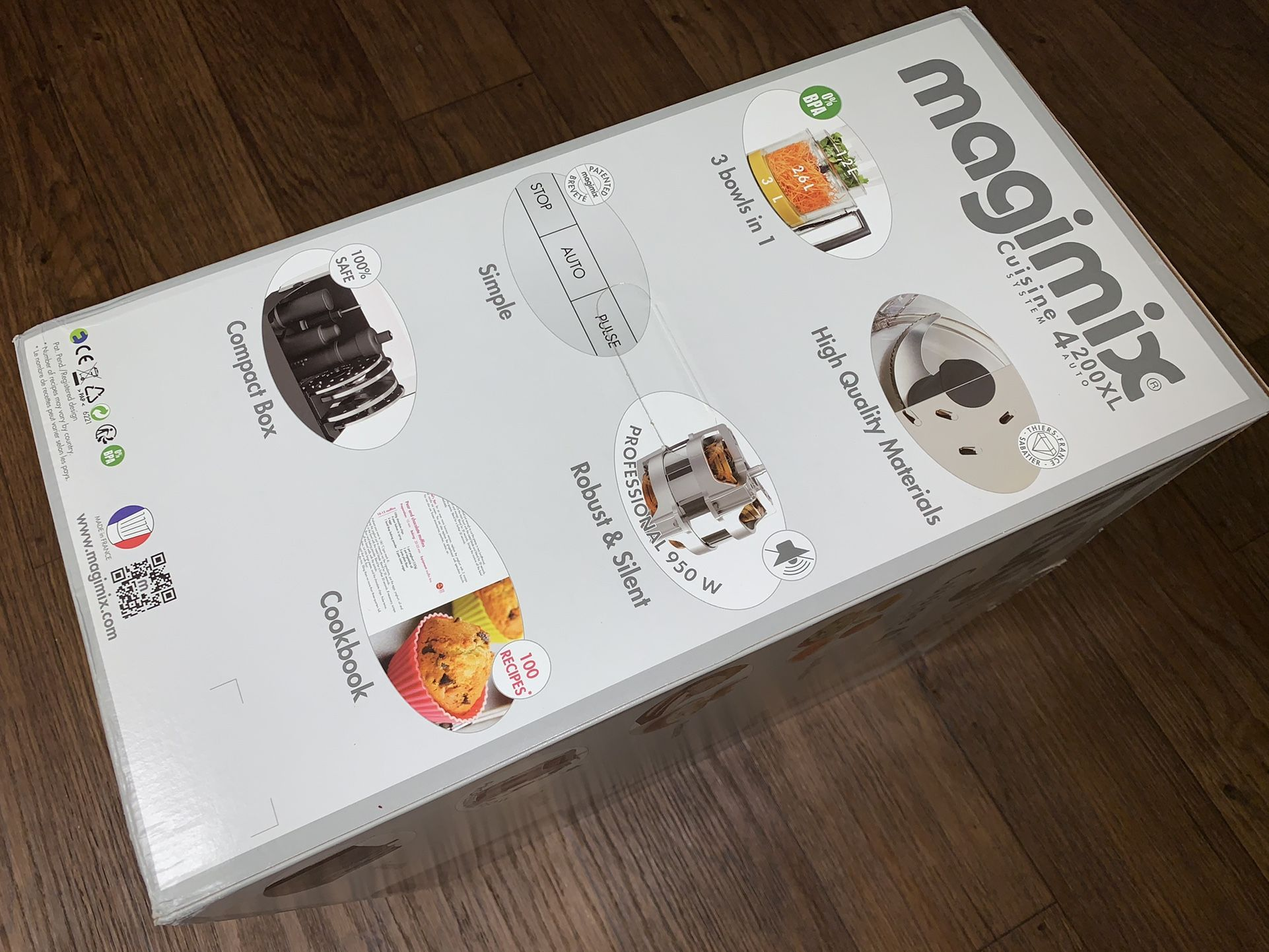 New Magimix French Food Processor Chrome CS4200XL 950 Watt Recipe Book - FIRM PRICE