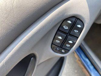 2002 Ford Focus Thumbnail