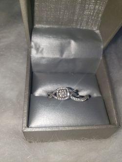 ZALES Gorgeous Wedding/Engagement Set!  Thumbnail