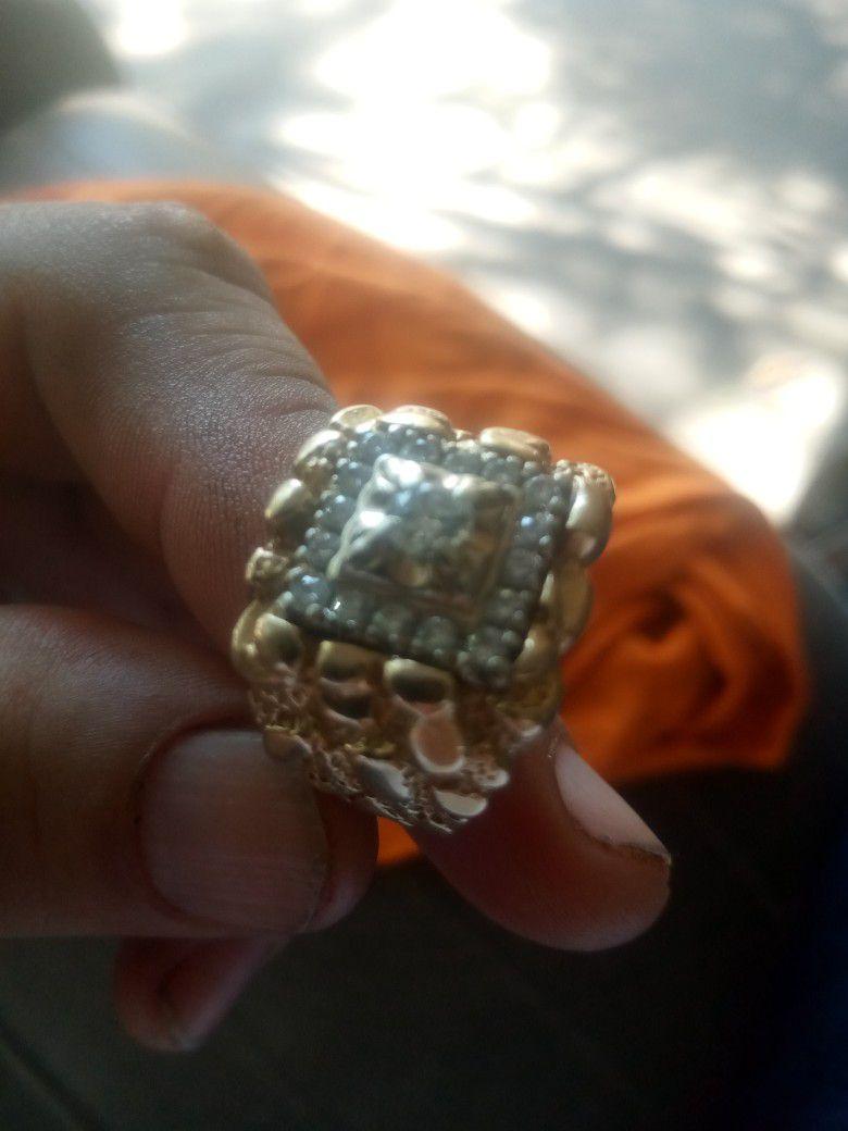 Anillo De Oro 14 Kilates  Con Diamamantes  19 Gramos