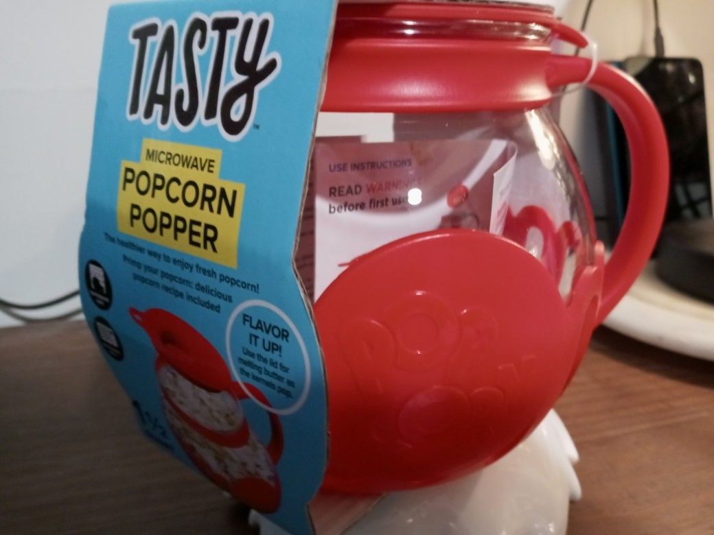 TASTY - Microwave Popcorn Popper 1.5 Quart Microwave Safe Healthier Popcorn Popper BRAND NEW NEVER USED