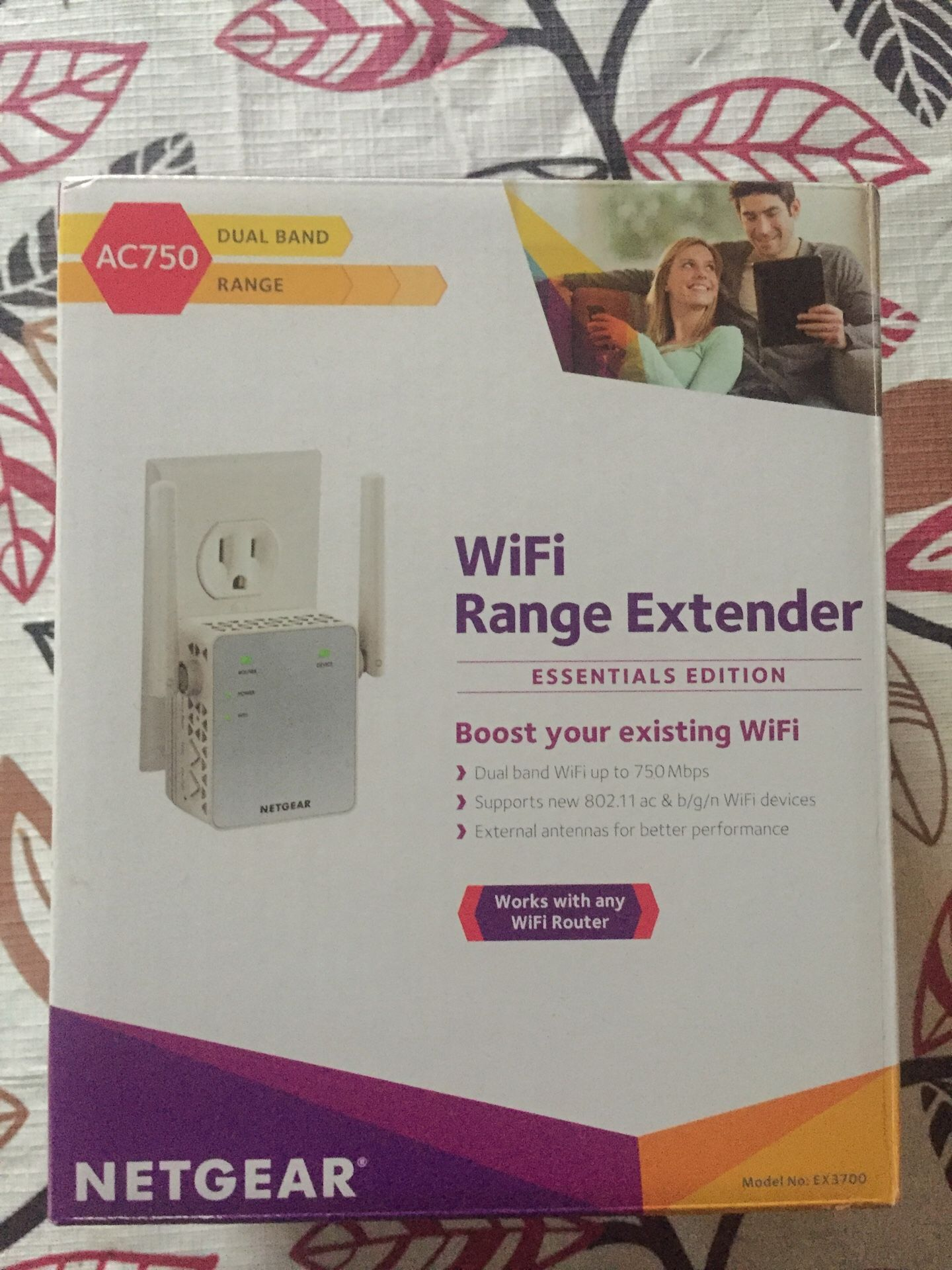NETGEAR WiFi Range Extender AC750 Dual Band WiFi coverage up to 750Mbps (EX3700)