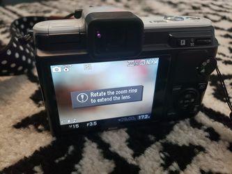 Nikon 1 V1 10.1 HD Digital Camera, Carrying Case, Neck Strap! Thumbnail