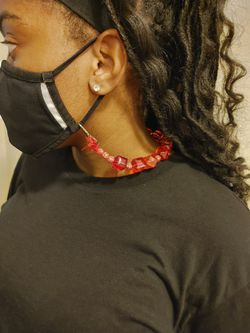 Mask Holder Necklace Thumbnail