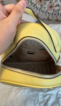 New guess backpack Thumbnail
