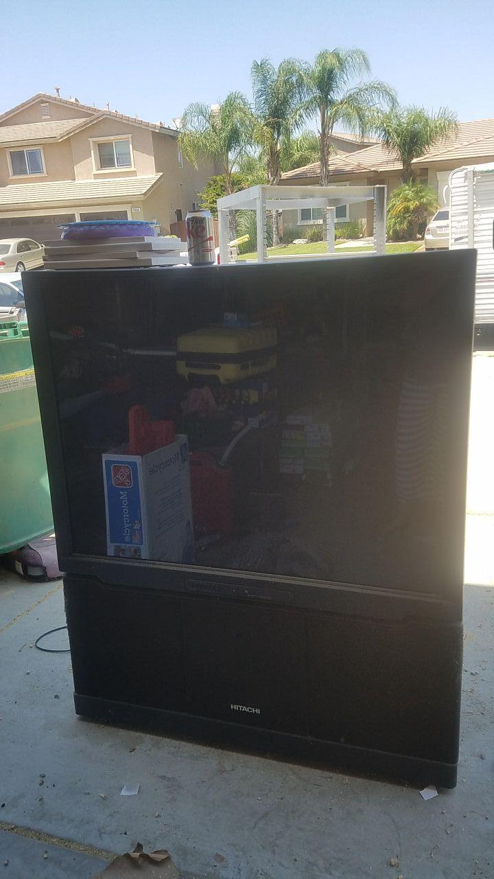50' Hitachi tv