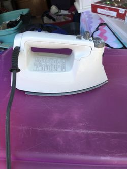Ultra Ease Proctor Silex Electric Steam Iron, model 17109 Thumbnail