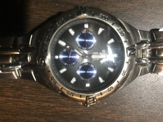Men's Relic Silver Watch. NEEDS New Battery Thumbnail
