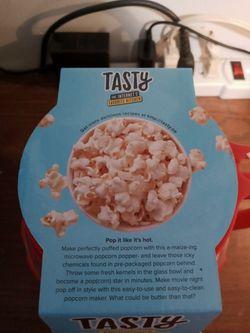 TASTY - Microwave Popcorn Popper 1.5 Quart Microwave Safe Healthier Popcorn Popper BRAND NEW NEVER USED   Thumbnail