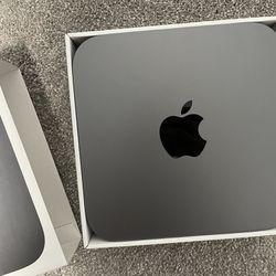Mac Mini. i7 / 32GB Ram / 1TB SSD / AppleCare+ Thumbnail