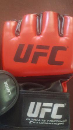 UFC SET LARGE FIGHTING GLOVES Thumbnail