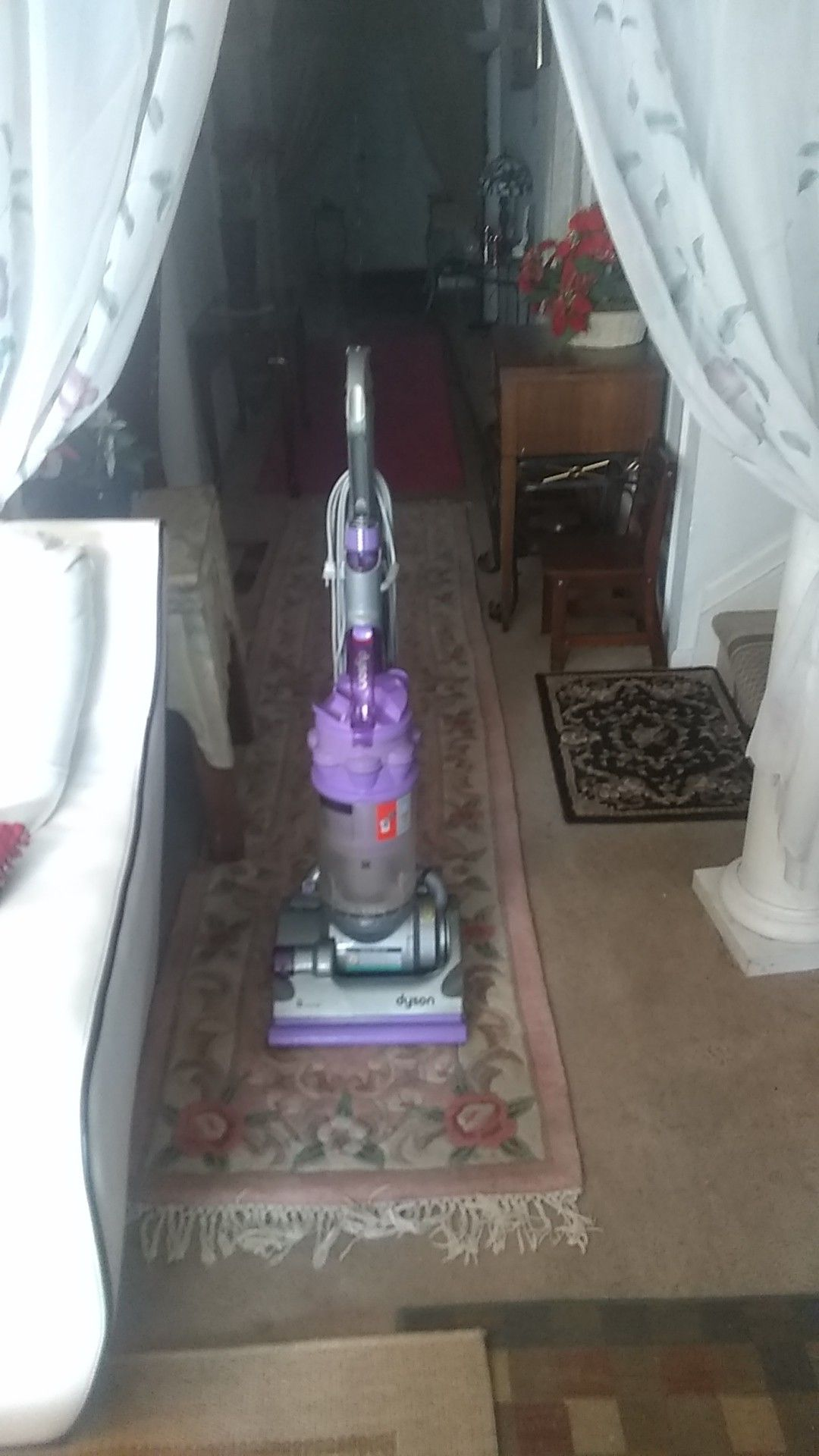 Vacuum cleaner Dyson like new