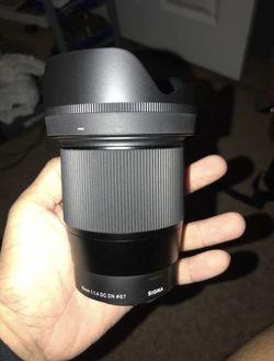 Sigma lens Thumbnail