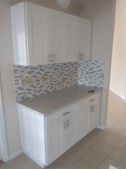 Solid wood kitchen complete with quartz Thumbnail