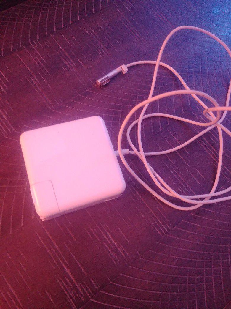 Apple AC Adapter