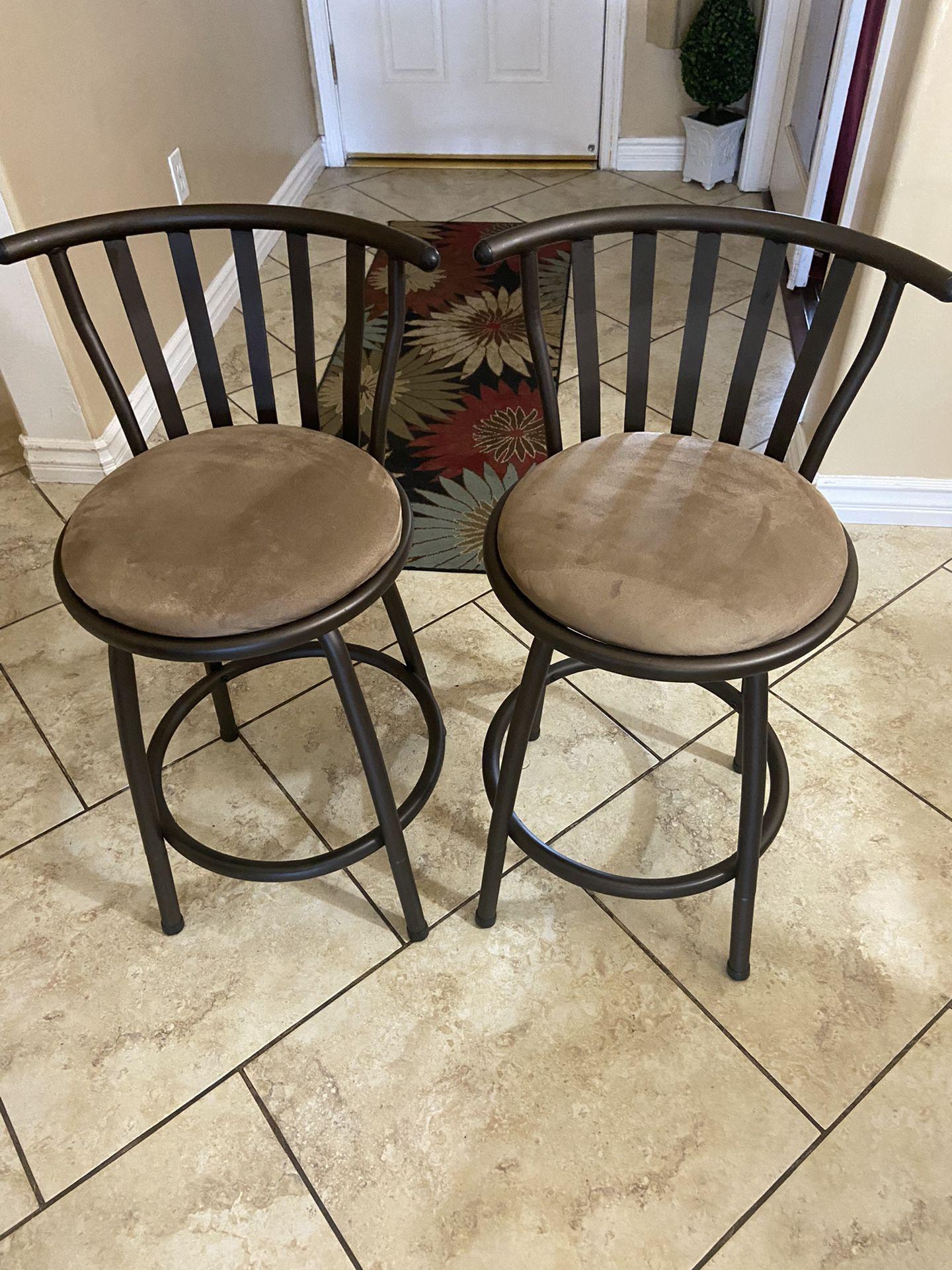 2 Barstools