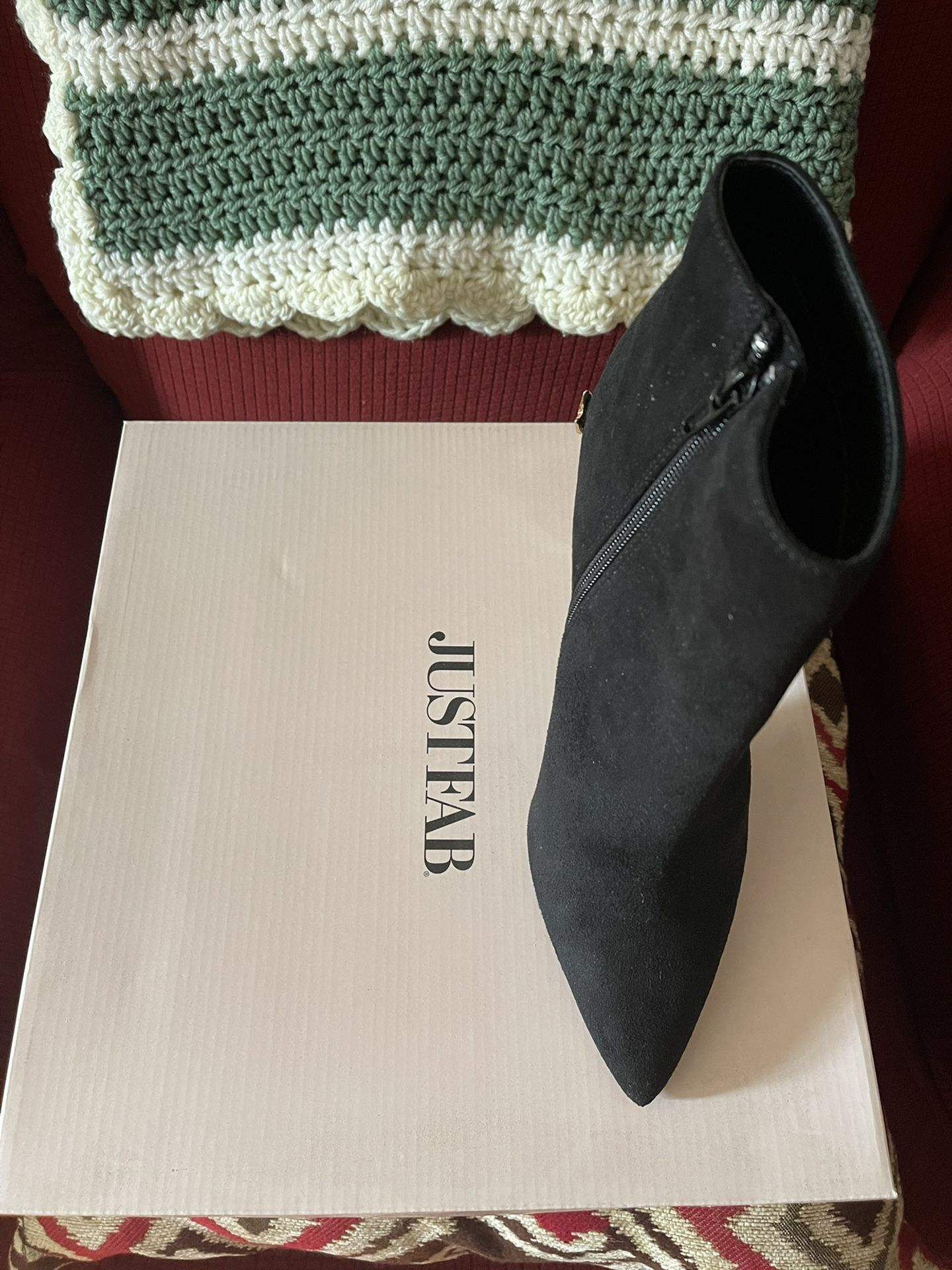 JustFab Women's Ankle Boots Black Faux Suede