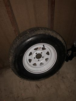 Trailer tire Thumbnail