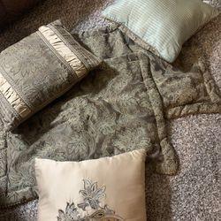 Queen Comforter,Pillow Cases And Throw Pillows Thumbnail