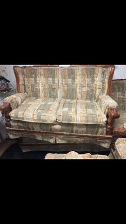 Vintage Couch Only- All Other Pieces Gone Thumbnail