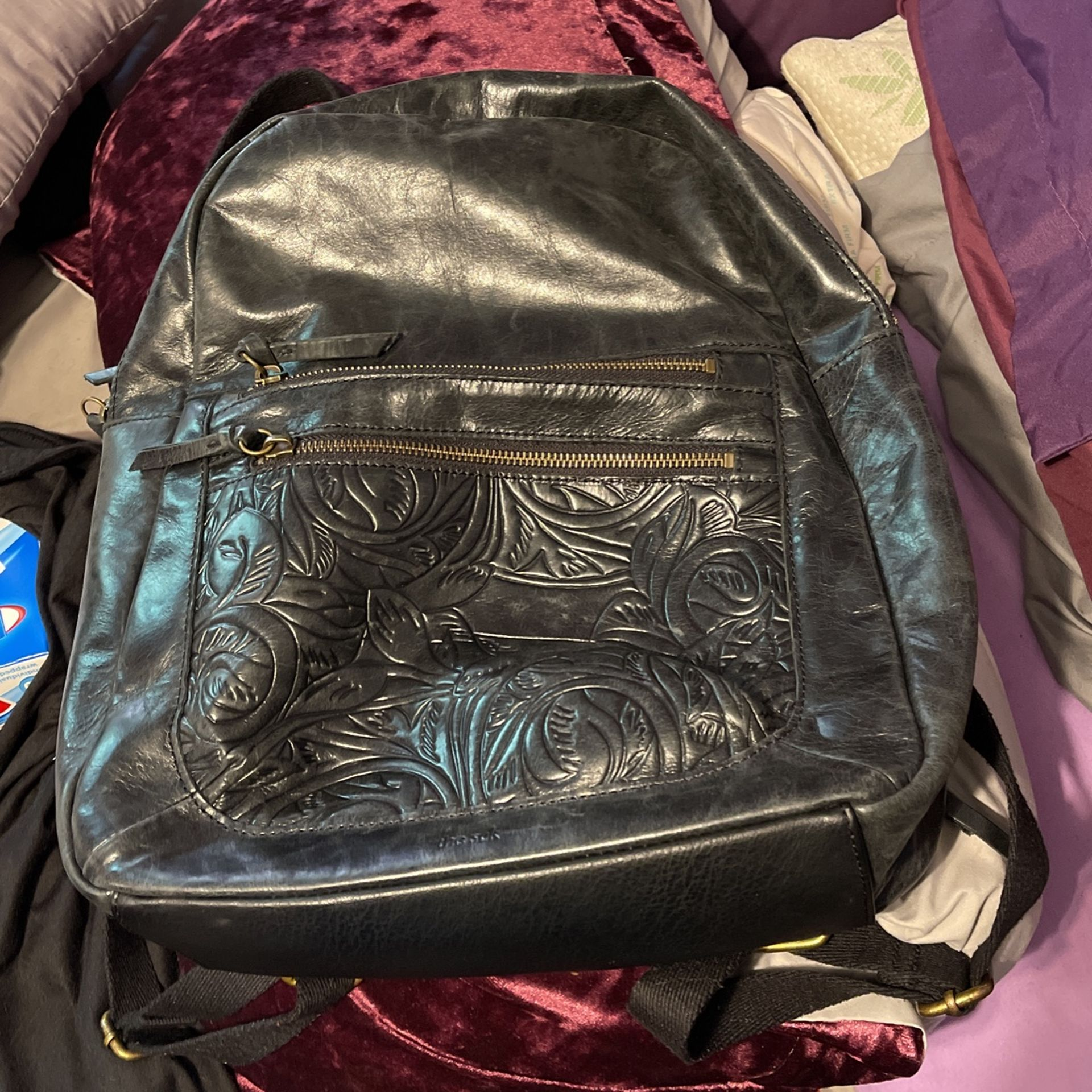 100% Leather Women's TheSak Backpack