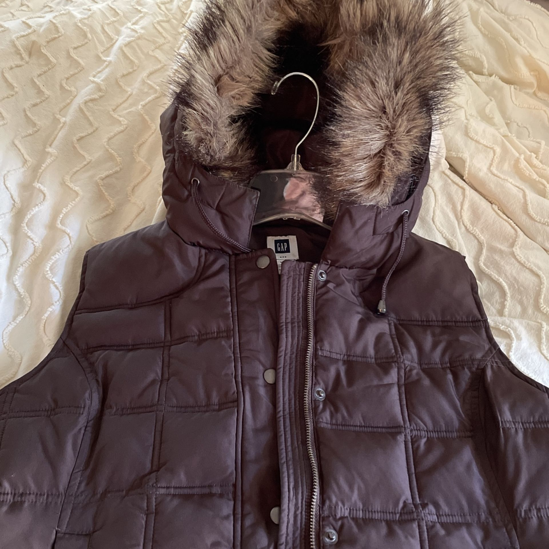 Gap Quilted Down Vest W/ Hood