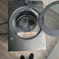 Whirlpool Electric Dryer Works Great Thumbnail