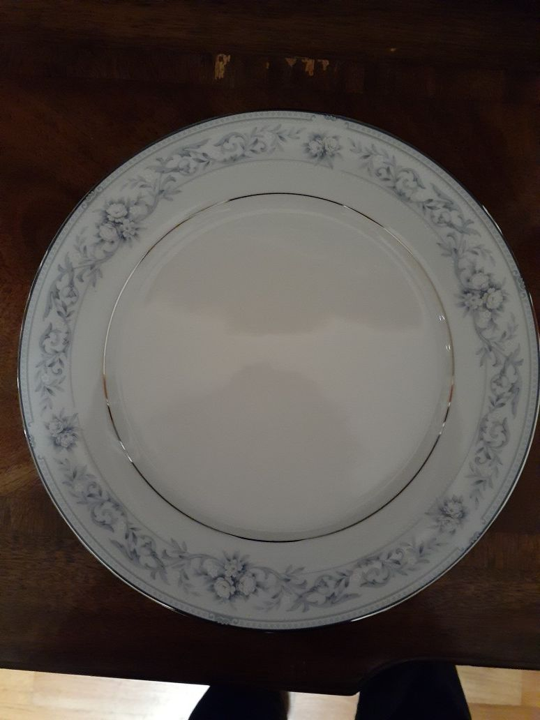 Legendary Noritake Dearborn China set 10 Place settings and service ware