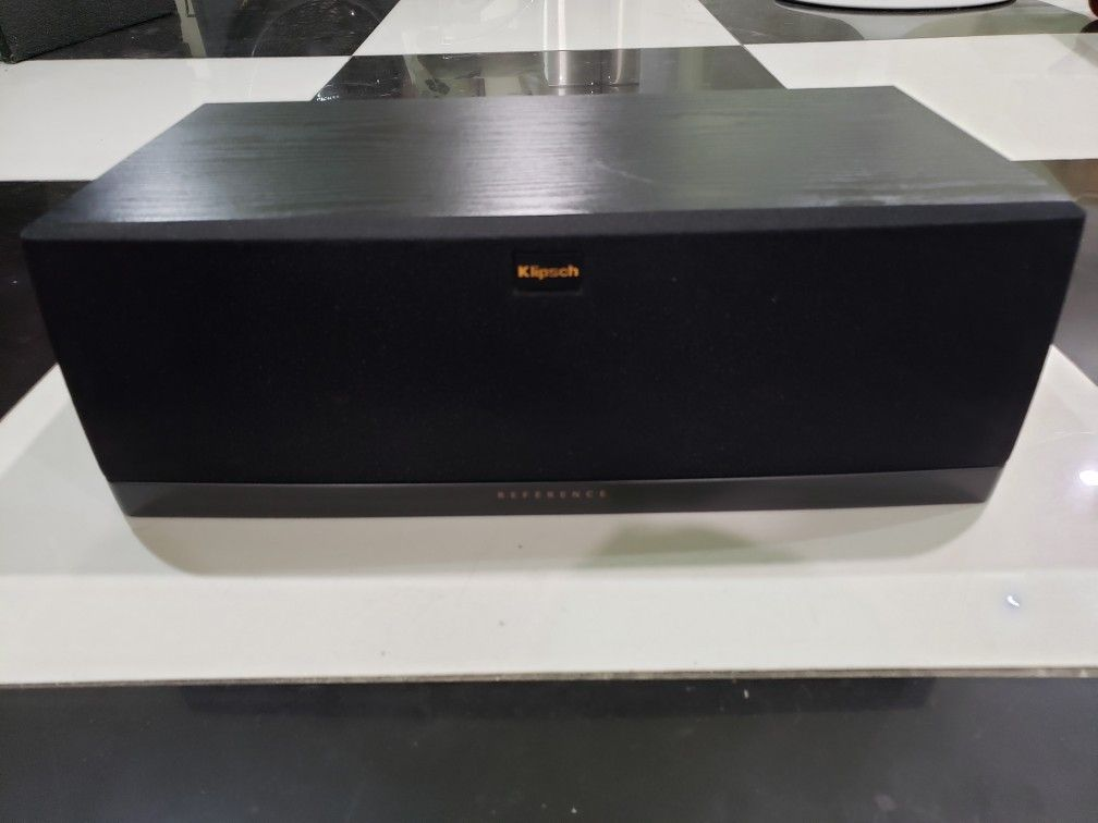 Klipsch RC 42 ll 300 Watts Peak Center Speaker Like New Perfect Working Very Nice Sound Will Test Before You Buy