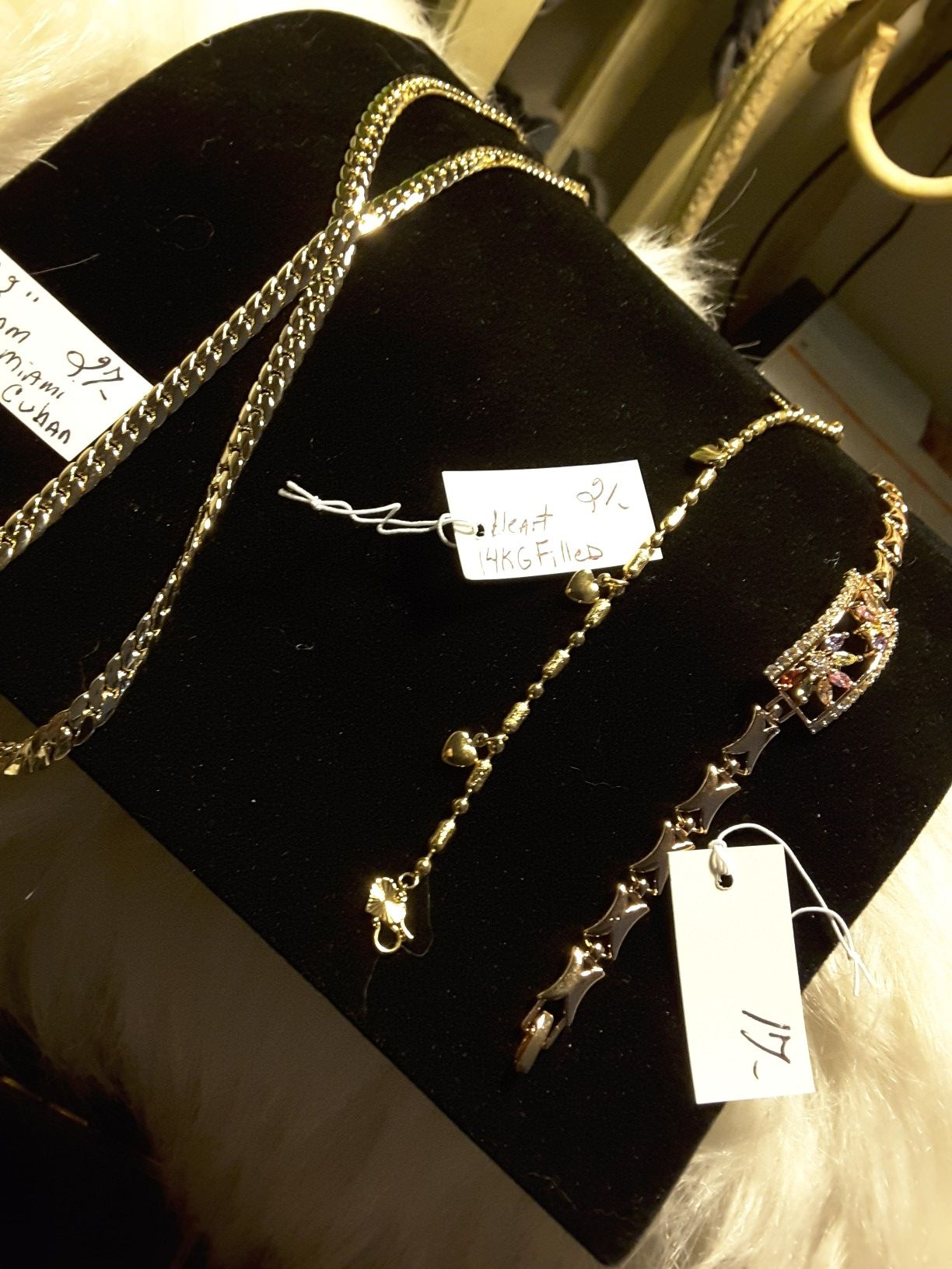 Chain & 2 Bracletes 17$-27$
