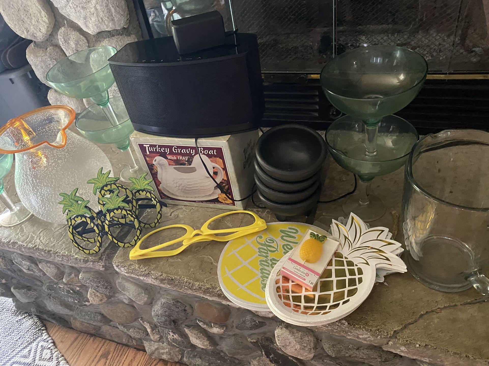Bluetooth Speaker ' 6 Margaritas Cup '2 Jars' 4 Molcajete Bowls