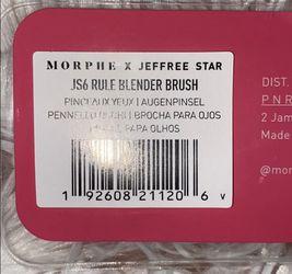 Jeffree Star JS6 Rule Blender Brush Thumbnail