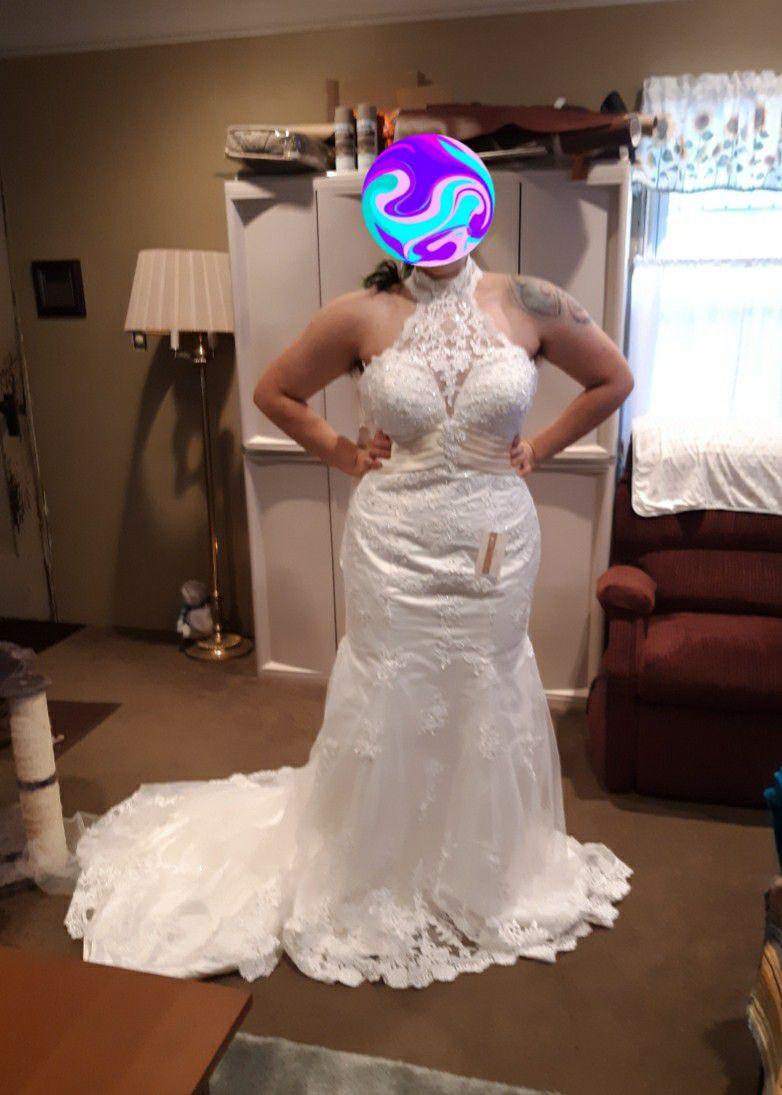 Halter Chantilly Lace Mermaid Wedding Dress Size 12