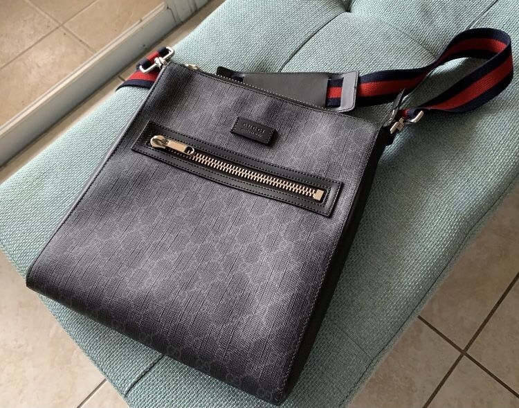 AUTHENTIC GUCCI SUPREME GG WEB STRAP MESSENGER BAG LARGE 474137 USED ONCE
