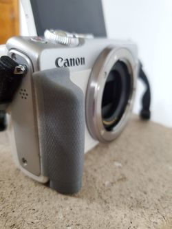 Canon M100 Bundle With Ef -eos Adapter  Thumbnail
