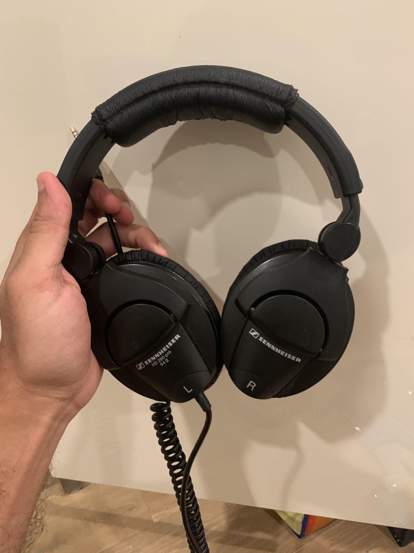 Sennheiser Headphones - HD 280 Pro