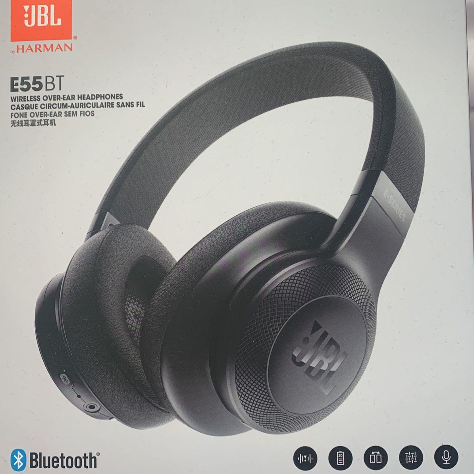 JBL Over Ear wireless headphones