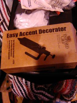 Pampered Chef Easy Accent Decorator Thumbnail