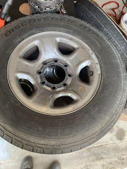 Dodge 8 lugs size 17 rims Thumbnail