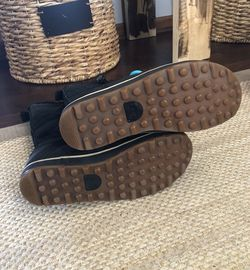 Sorel Glacy Explorer Black winter boots. Size 8. Originally $135 Thumbnail