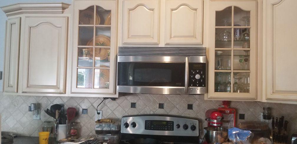 GE profile microwave and stove