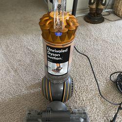 Dyson Multifloor Vacuum Thumbnail