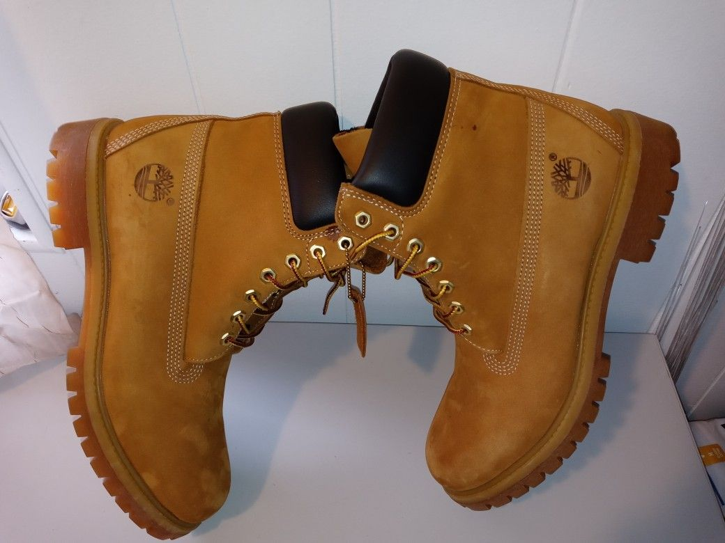 Timberland Waterproof Boots.  Men size 10.   Good Condition