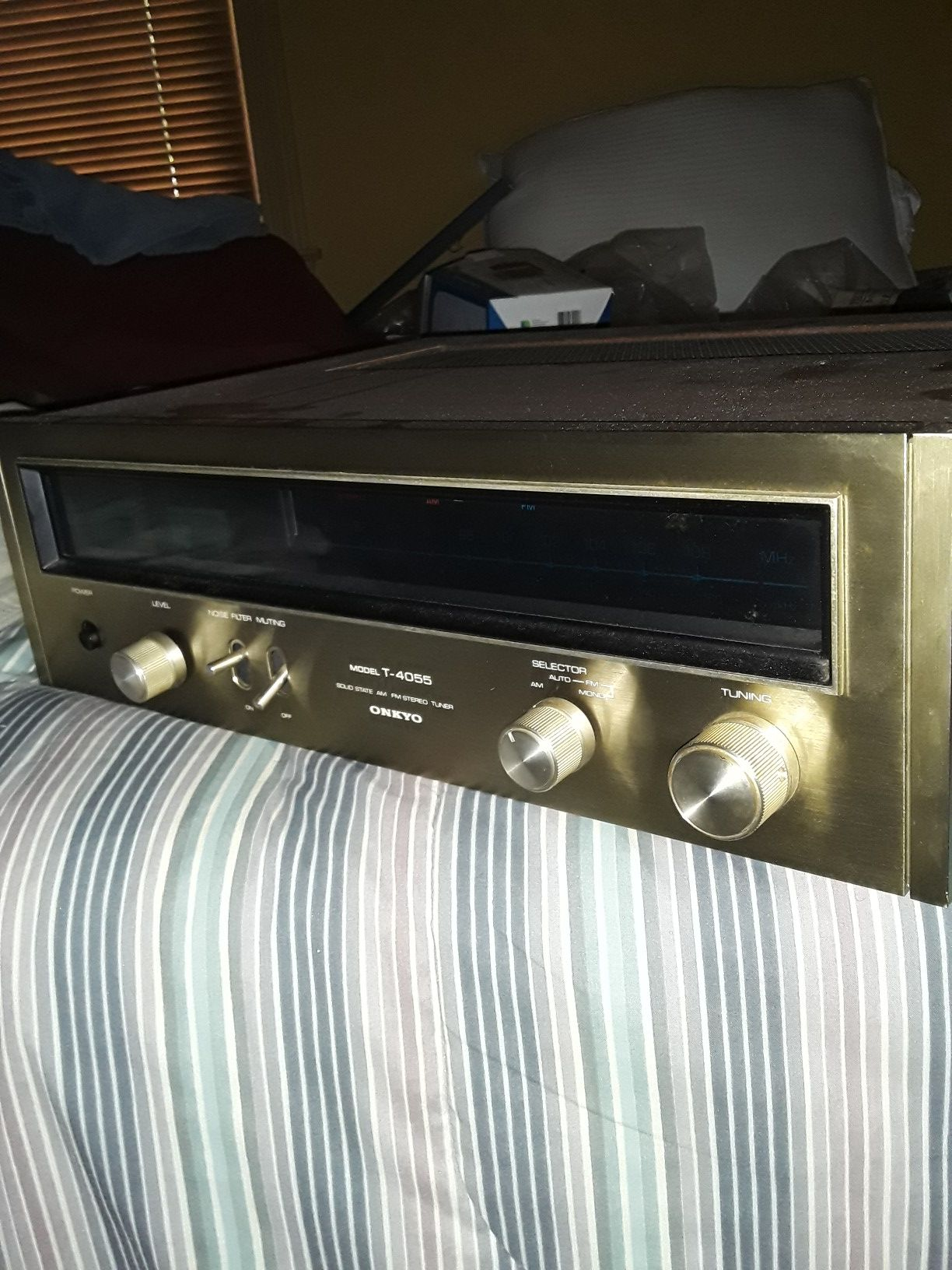 ONKYO T-4055 SOLO STATE STEREO TUNER