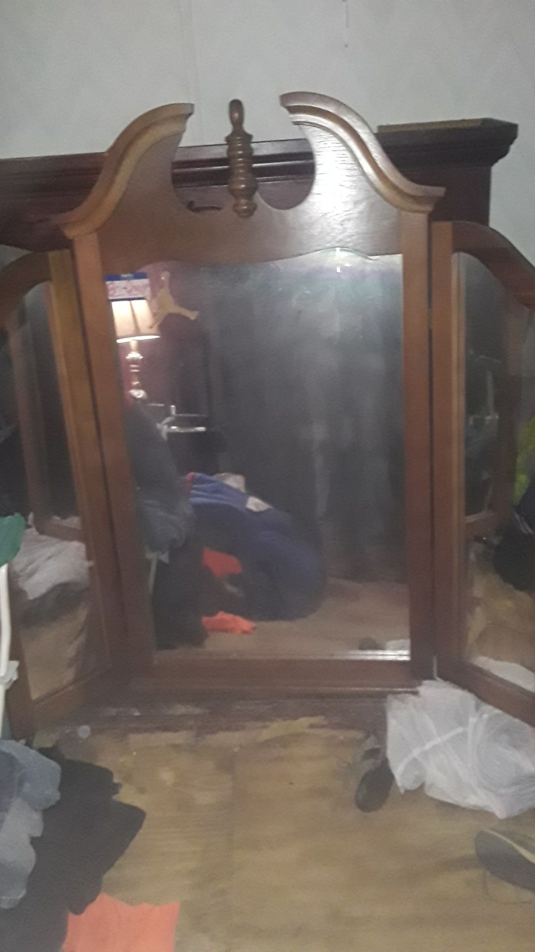 Wall or dresser mirror $10