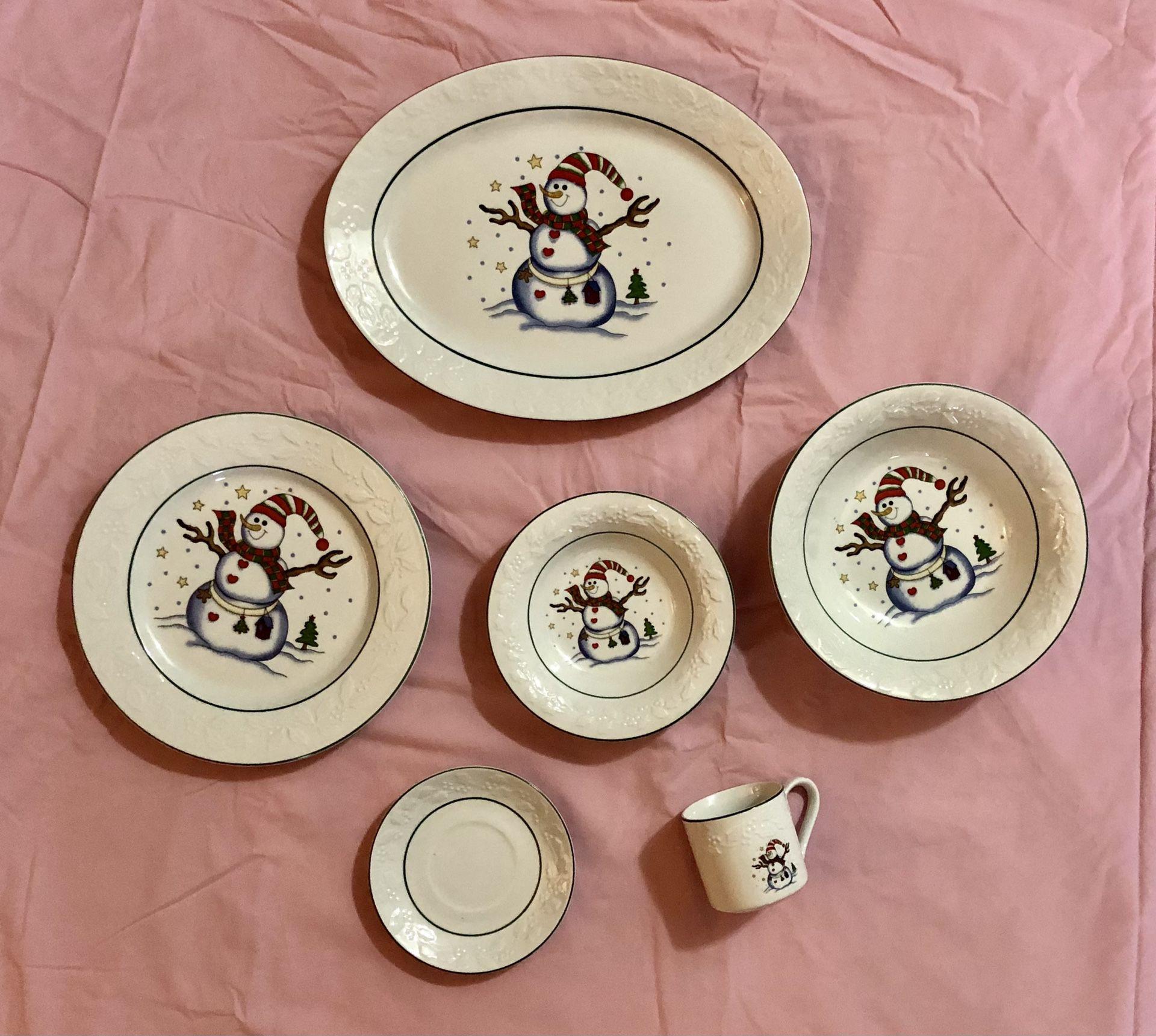 Snowman Christmas/Holiday Dinnerware 34 Pc Set (8 Tea Cup, 8 Saucers, 8 Bowls, 8 Dinner Plates, 1 Platter, 1 Large Serving Bowl)