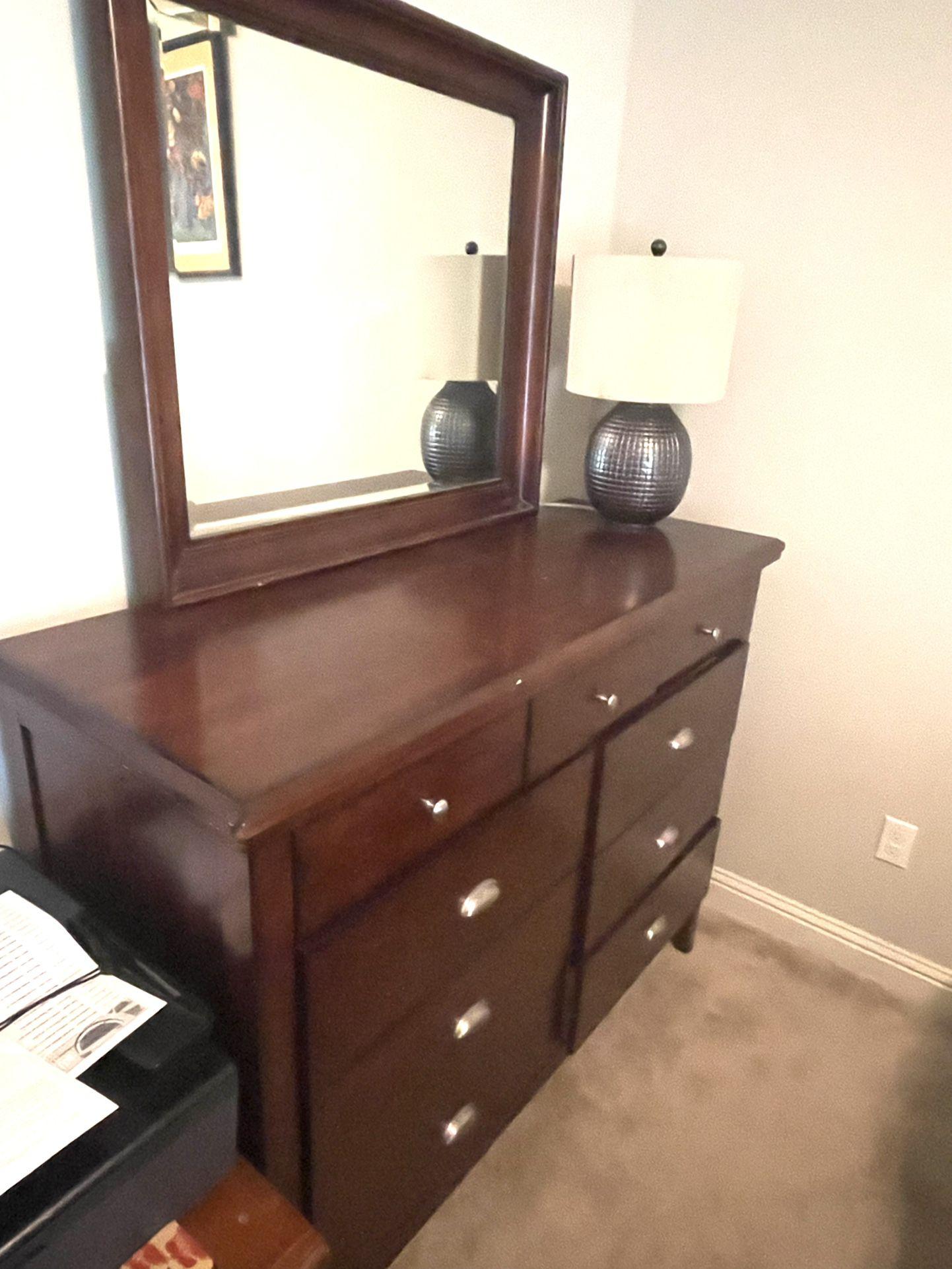 4 Piece Storage Queen Size Bedroom Set
