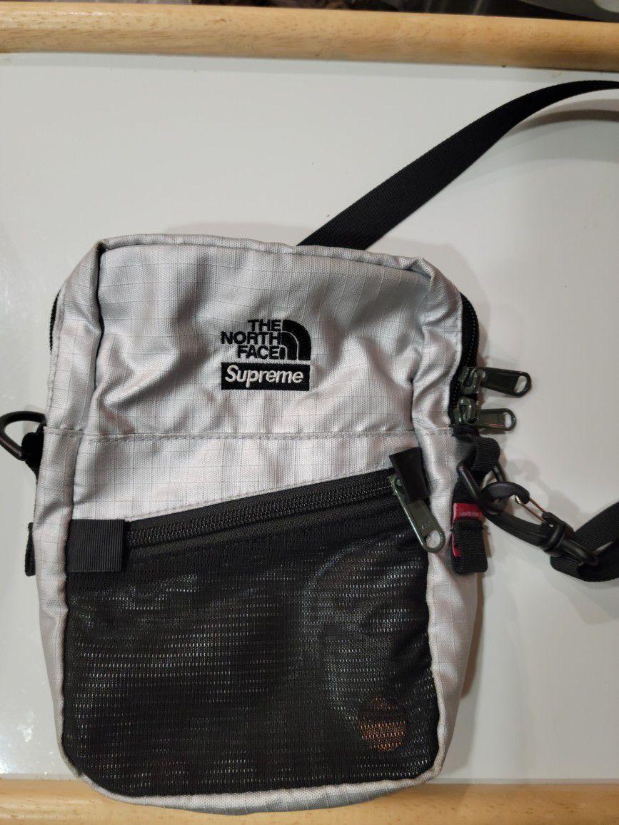 Supreme x TNF Silver Shoulder Bag USED