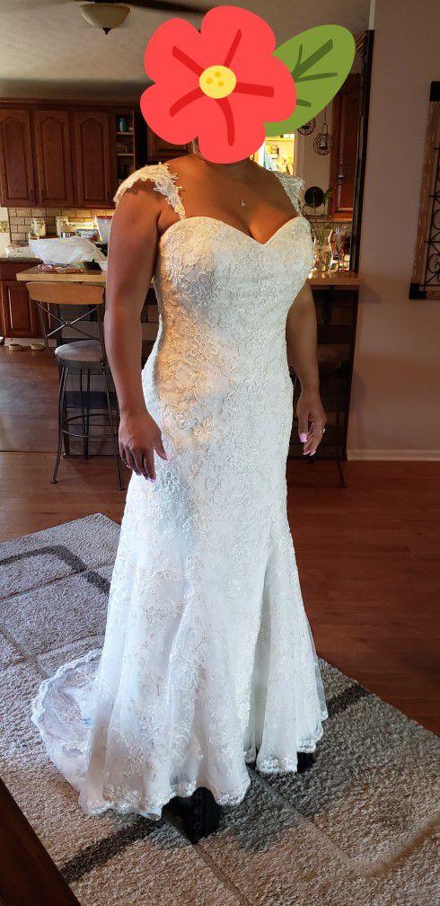 Ivory Mermaid Wedding Dress