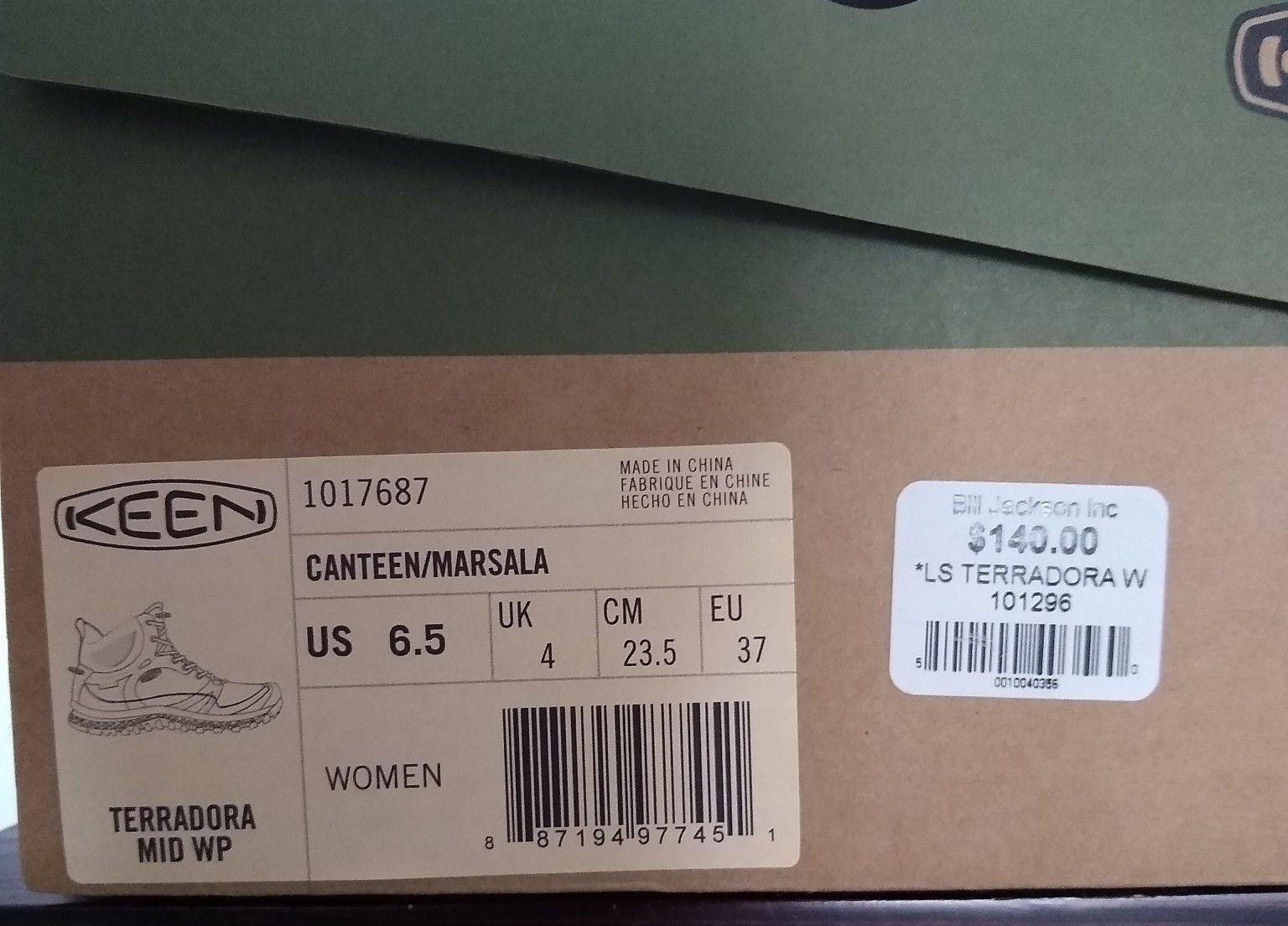 Women's KEEN hiking boots size 6.5